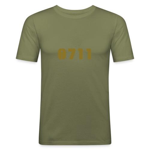 MÄNNERSHIRT GOLD - Männer Slim Fit T-Shirt