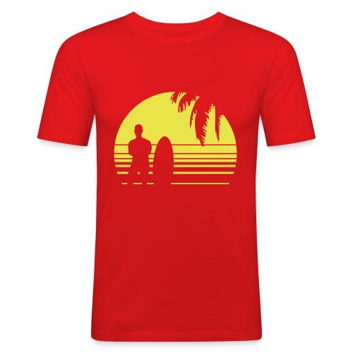 SUNSET SURFING - Männer Slim Fit T-Shirt