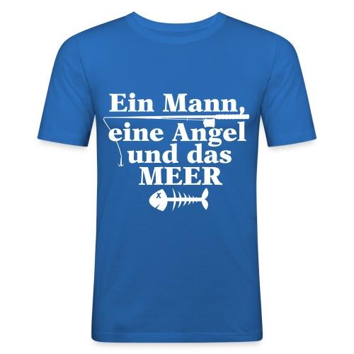 Ein Mann, eine Angel und das MEER - Männer Slim Fit T-Shirt