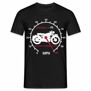 Life begins at 65 Classic - Men's T-Shirt