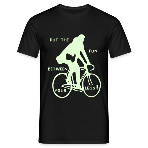 basic-schwarz-glow-in-the-dark: put the fun between your legs - Männer T-Shirt