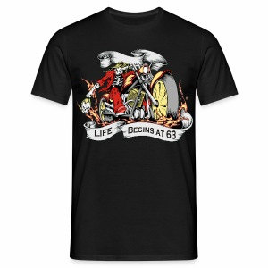 Life begins at 63 (R10) - Men's T-Shirt