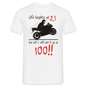 Life begins at 21 - Men's T-Shirt