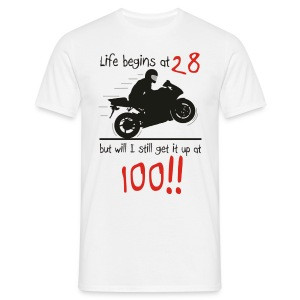 Life begins at 28 - Men's T-Shirt