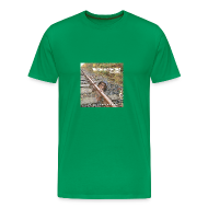 T-Shirts ~ Männer Premium T-Shirt ~ Person im Gleis