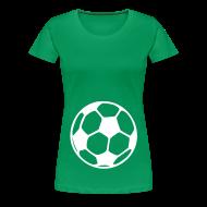 T-Shirts ~ Frauen Premium T-Shirt ~ Schwangershirt: Fußball (grün/weiß)