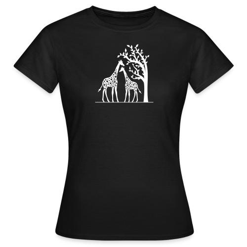 'Giraffes in Love' - Women's T-Shirt