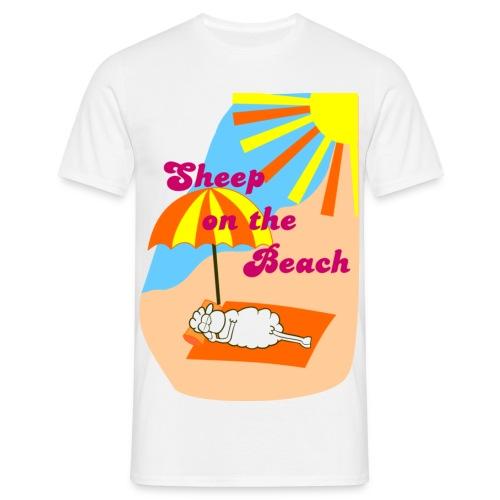 Sheep On Tha Beach - T-skjorte for menn