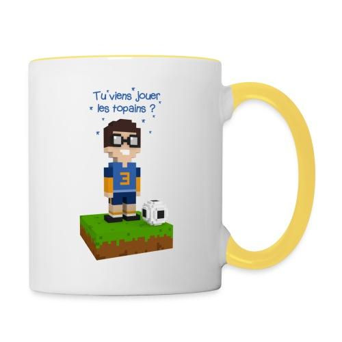 Victor joue au football - Mug contrasté