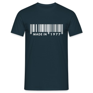 Made in 1977 birthday t-shirt with barcode - Men's T-Shirt
