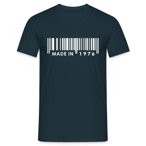 Made in 1976 birthday t-shirt with barcode - Men's T-Shirt