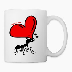 Ant Carrying the Love's Heart Mugs