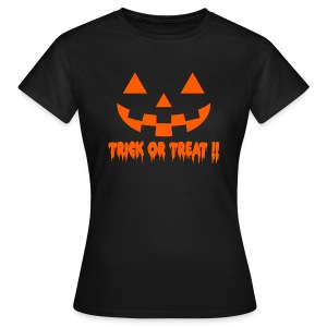 Trick or treat!! - Women's T-Shirt