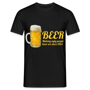 Biershirt: Making ugly people have sex.. - Mannen T-shirt