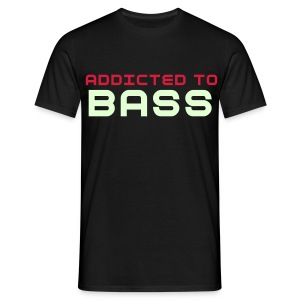 Addicted to (Glow in the dark - BASS) - Men's T-Shirt