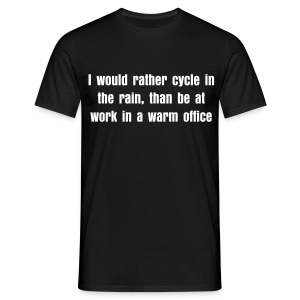 Cycle in the rain - Men's T-Shirt