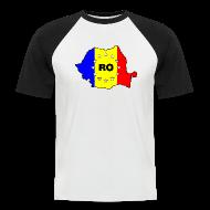 T-Shirts ~ Männer Baseball-T-Shirt ~ Zweifarbiges Männer- Shirt mit Rumänien-Karte RO-EU