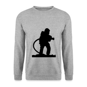 Un Pompiers en action d'extinction - Sweat-shirt Homme