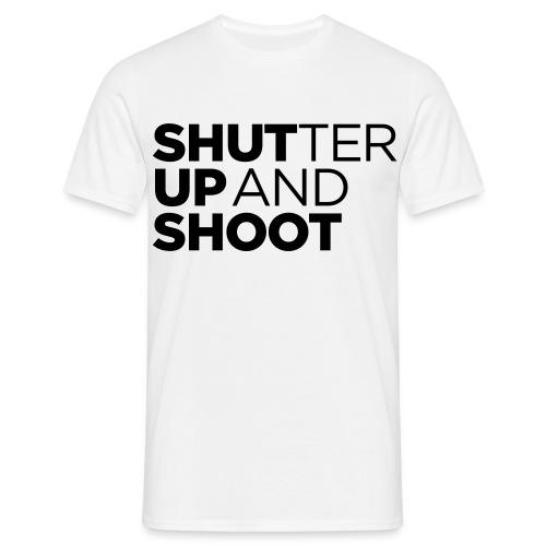 Shutter up and shoot - standard shirt - Männer T-Shirt