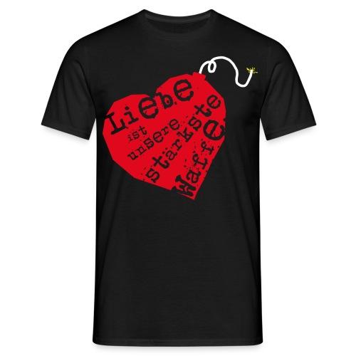 Liebe ist unsere stärkste Waffe: Herz - mit Rückendruck (rot) - Männer T-Shirt