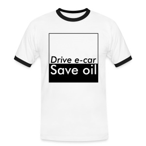 Drive e-car - Save oil  © by TOSKIO-VTMS - Männer Kontrast-T-Shirt