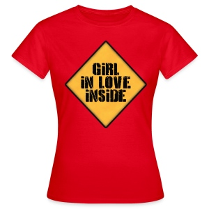 Girl in love inside - Camiseta mujer