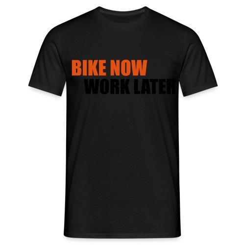 Bikie - Männer T-Shirt