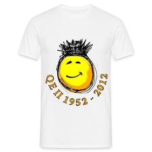 QE II Queenie Jubilee Smiley - Men's T-Shirt