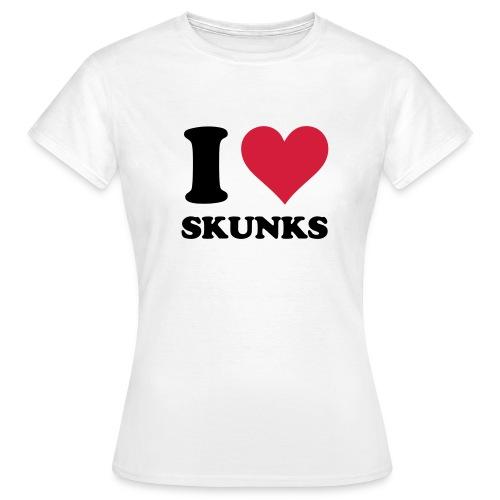 I Heart Skunks - Women's T-Shirt - Women's T-Shirt