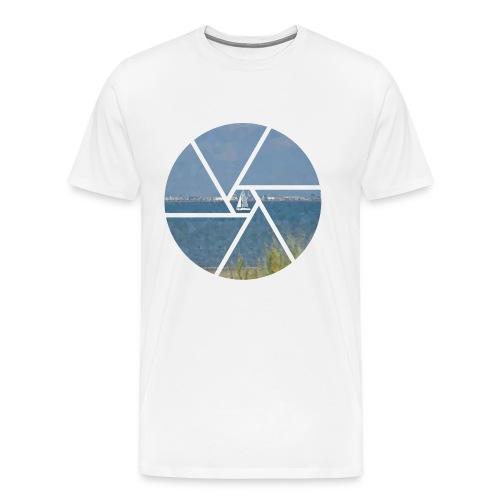 Segelboot im Focus - Männer Premium T-Shirt