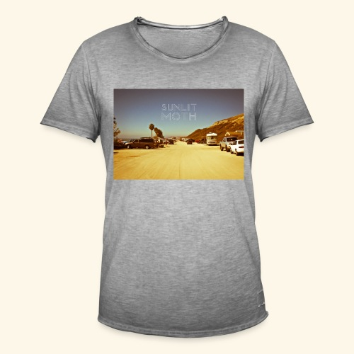 Sunlit moth cover - Men's Vintage T-Shirt