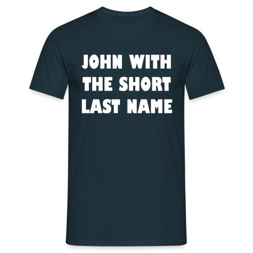 Short last name - heren - Mannen T-shirt