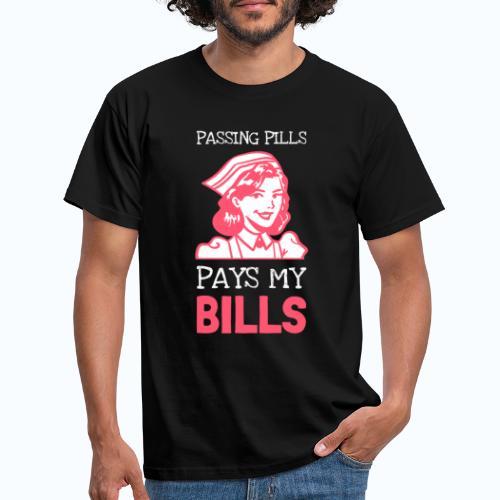 Passing pills - Mannen T-shirt
