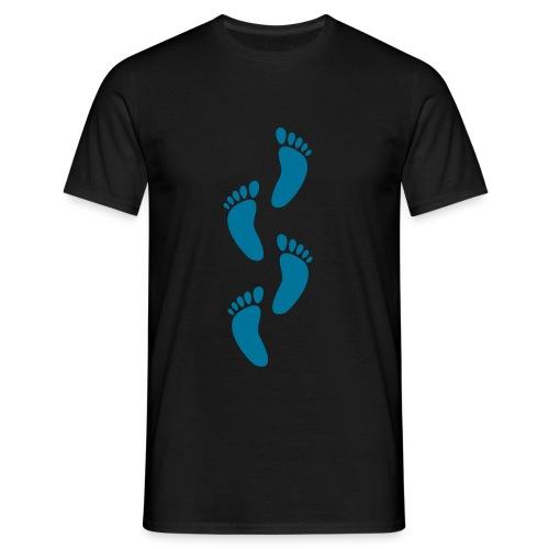 footsteps - Männer T-Shirt