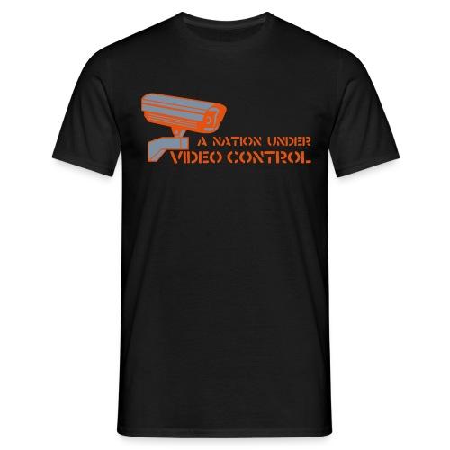 VIDEO CONTROL - Männer T-Shirt