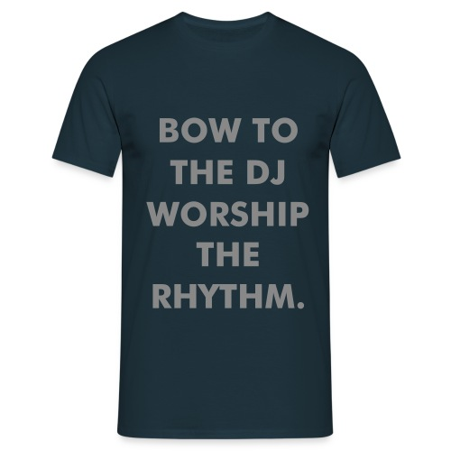 Bow To The DJ T - Men's T-Shirt