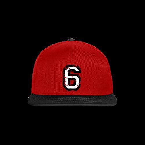 Nummer 6 T-Shirt (Damen Rot) Rücken - Snapback Cap