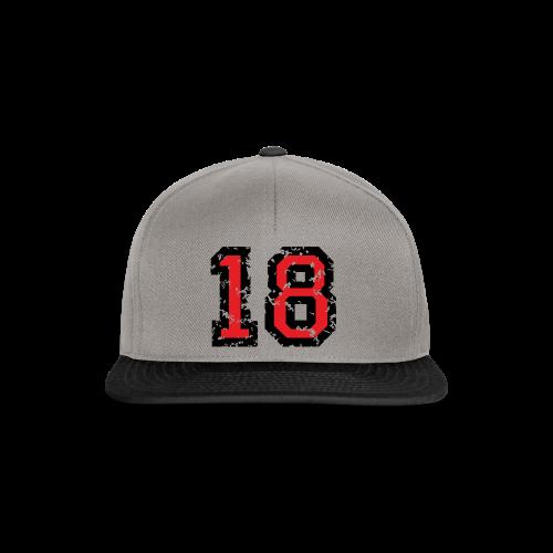 Rückennummer 18 T-Shirt (Herren Grau) - Snapback Cap