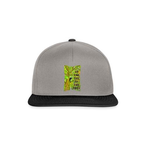 Schwarze Katze auf dem Baum - Snapback Cap