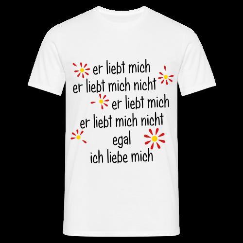 Er liebt mich... - Männer T-Shirt