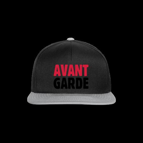 Avantgarde T-Shirt - Snapback Cap