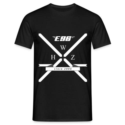 X E96 - Männer T-Shirt
