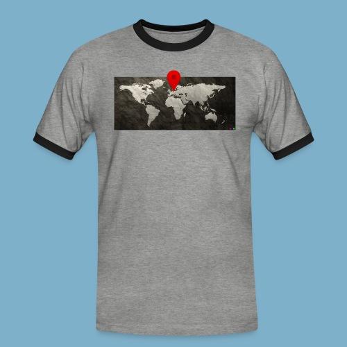 Weltkarte mit Pin - Standort - Männer Kontrast-T-Shirt