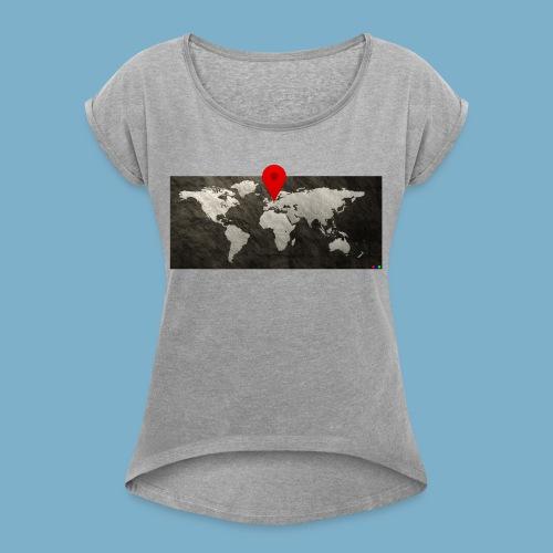 Weltkarte mit Pin - Standort - Frauen T-Shirt mit gerollten Ärmeln
