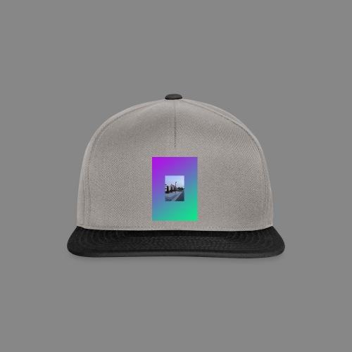 SOLITUDE GRADIENT 01 Fit-Shirt - Snapback Cap