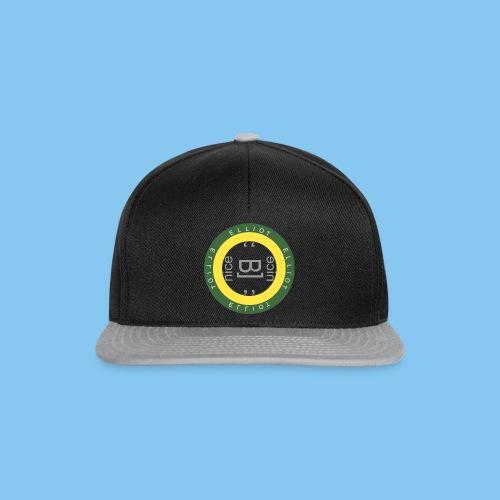 Elliot T-Shirt - Snapback Cap