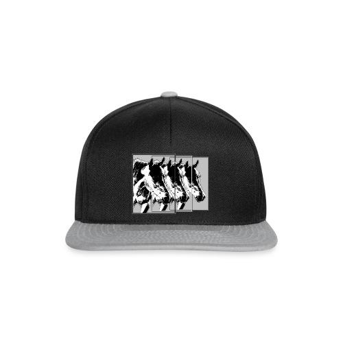 Pferde im Dreier-Format schwarz.grau - Snapback Cap