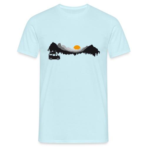 Camping in den Bergen - Männer T-Shirt