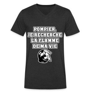 POMPIER, JE RECHERCHE LA FLAMME DE MA VIE - JEUX DE MOTS - FRANCOIS VILLE - T-shirt bio col V Stanley & Stella Homme