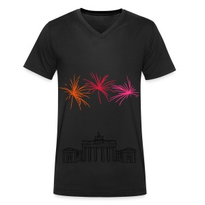 Berlin fireworks New Year's Eve at the Brandenburg Gate - Men's Organic V-Neck T-Shirt by Stanley & Stella